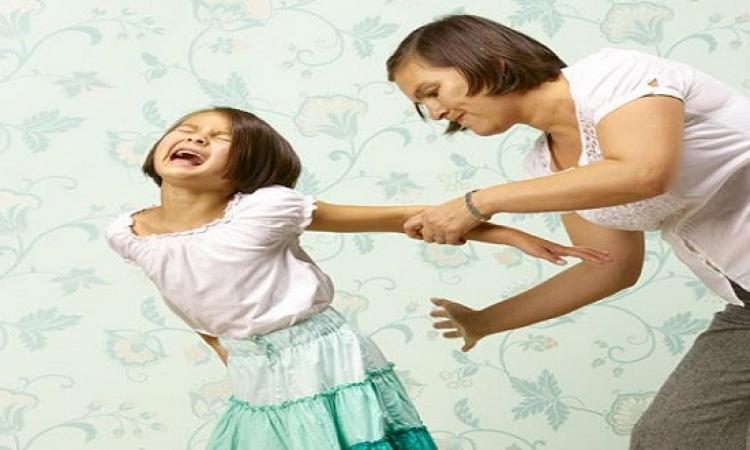 5 أنواع من العقاب لا تعرضى طفلك لها