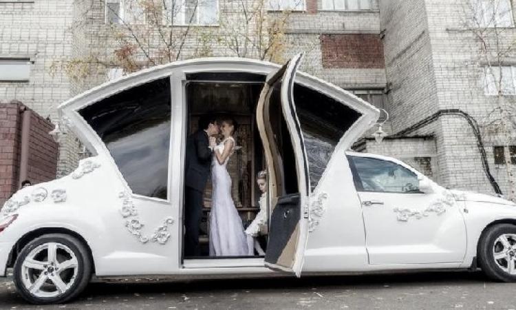 بالصور .. روسيا تصنع سيارة ليموزين مخصصة للعرائس