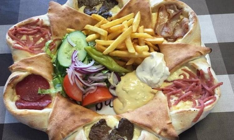 تعرف على أسوأ بيتزا فى العالم .. حاجة كده زى المشنكاح عندنا !!