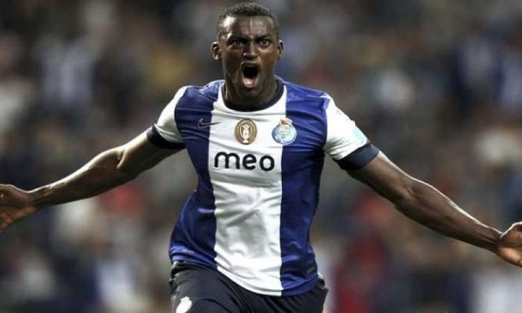 جاكسون مارتينيز يؤكد انتقاله إلى اتلتيكو مدريد