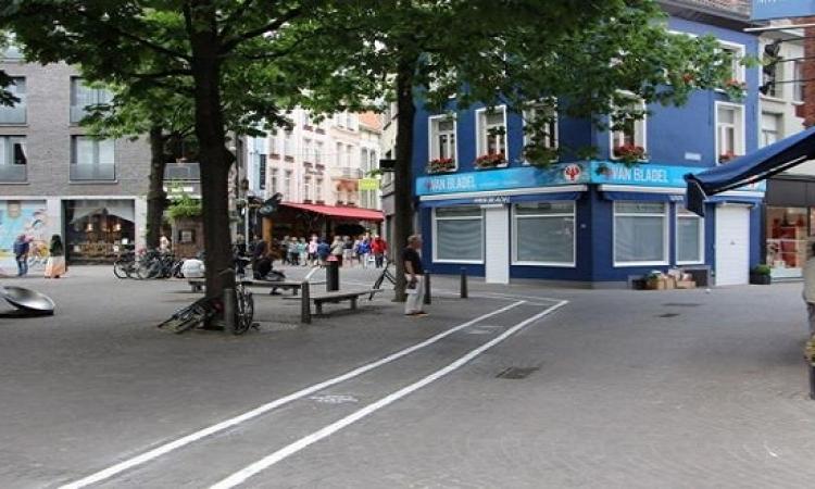 بلجيكا تخصص شارع لمستخدمى الهواتف الجوالة