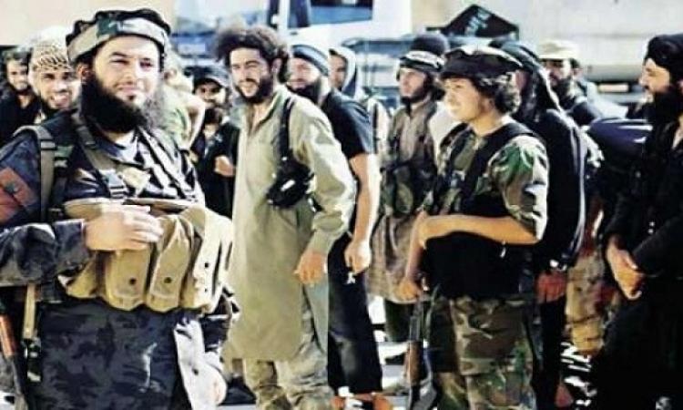عضو مغفل من داعش يتسبب فى تفجير مقر القيادة