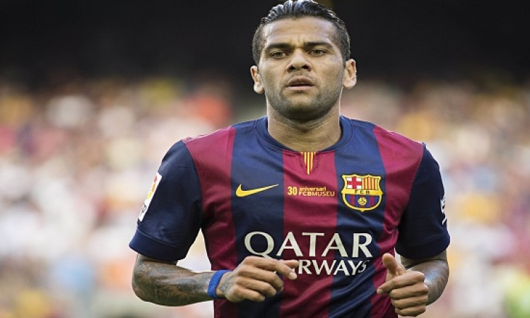 ألفيس يستعد لتجديد عقده مع برشلونة