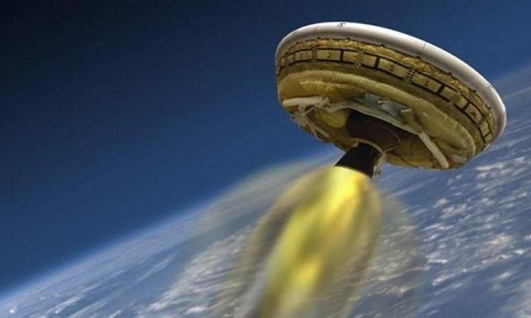 تمزق مظلة إنزال المركبات على المريخ أثناء التجربة.. مسكينة ناسا ملحقتش تفرح