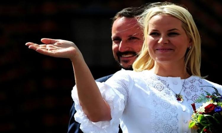 سندريلا التى خطفت قلب ولى عهد النرويج.. قصة حب تفوقت على روايات الأفلام