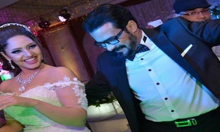 بالفيديو .. محمد رجب يرقص فى زفاف ابنة شقيقته