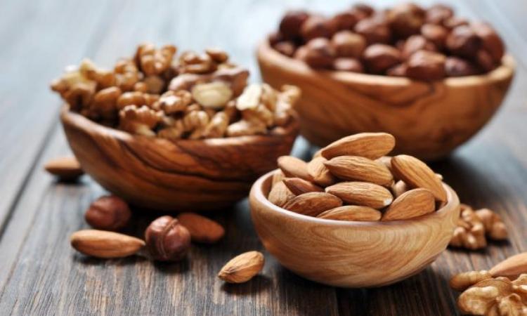 أهم 3 أطعمة يحتاجها مريض الكوليسترول