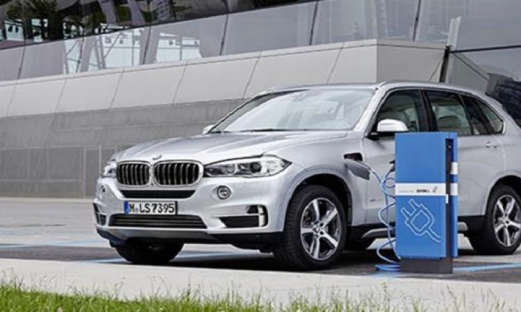 """سعر سيارة بى إم ديليو""""X5 40e"""" الهجين يبدأ من 68.5 ألف يورو"""