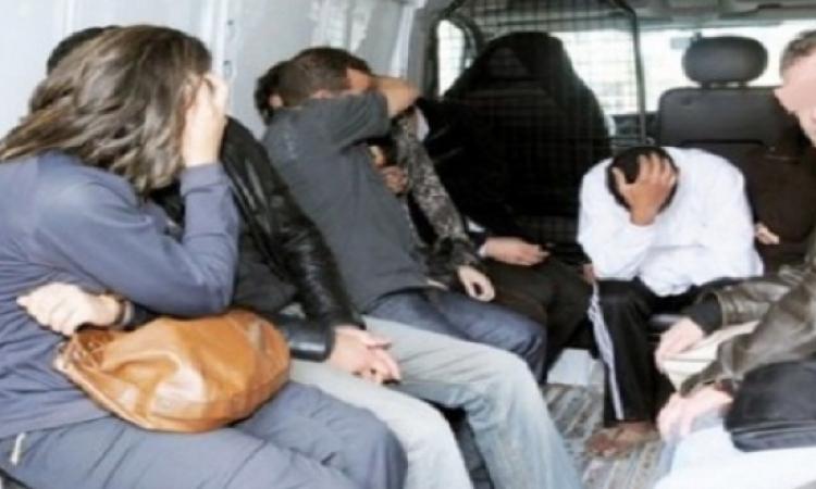 القبض على ضابط شرطة بتهمة استغلال النسوة الساقطات فى أعمال الدعارة