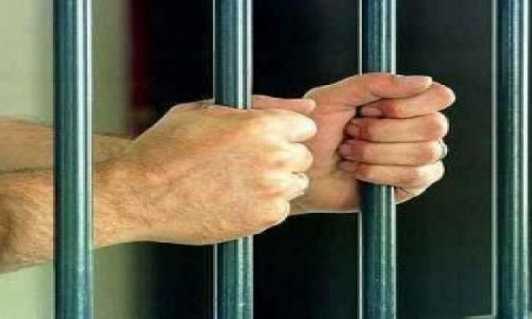 حبس قوادين و3 ساقطات 4 ايام لإتهامهم بتكوين شبكة دعارة بشقة سعودى بمدينة نصر