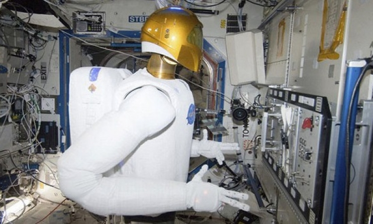 الروبوت R2 يقيم على متن محطة الفضاء الدولية