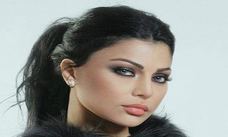 بالصور.. فنانة مصرية تحتفل بزفافها مع هيفا وهبى