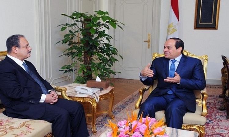 السيسي يلتقي وزير الداخلية فور وصوله إلى مقر إقامته بشرم الشيخ