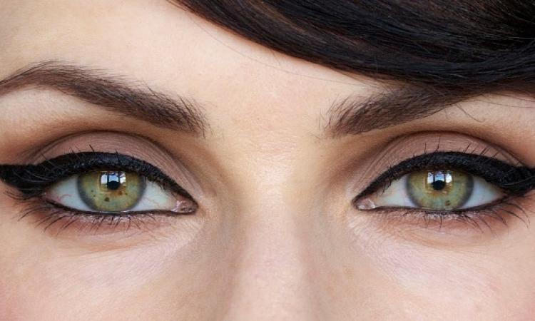 طريقة تثبيت الكحل فى عينيك لأطول مده ممكنه