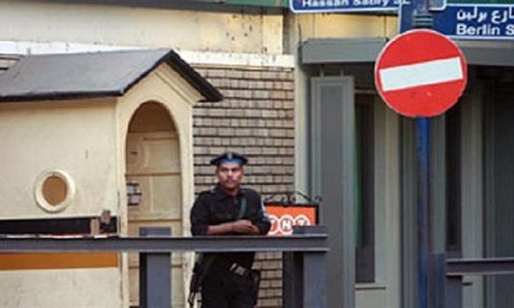 السفارة الألمانية تغلق أبوابها فى القاهرة تحت التهديد