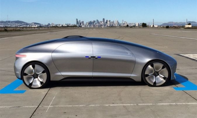 دايملر الألمانية  لصناعة السيارات تختبر شاحنات ذاتية القيادة
