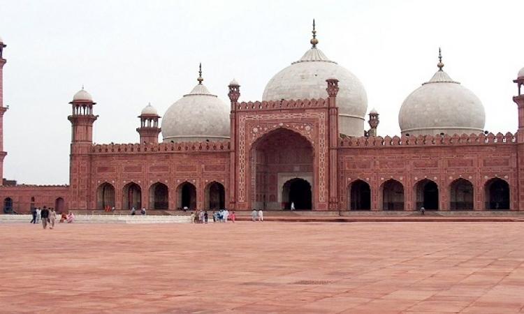 مسجد بادشاهى الملكى .. عراقة التاريخ وجمال المعمار