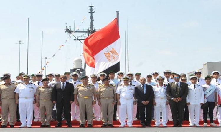 صبحى  يشهد تدشين الفرقاطة  ولانشين صواريخ بميناء رأس التين