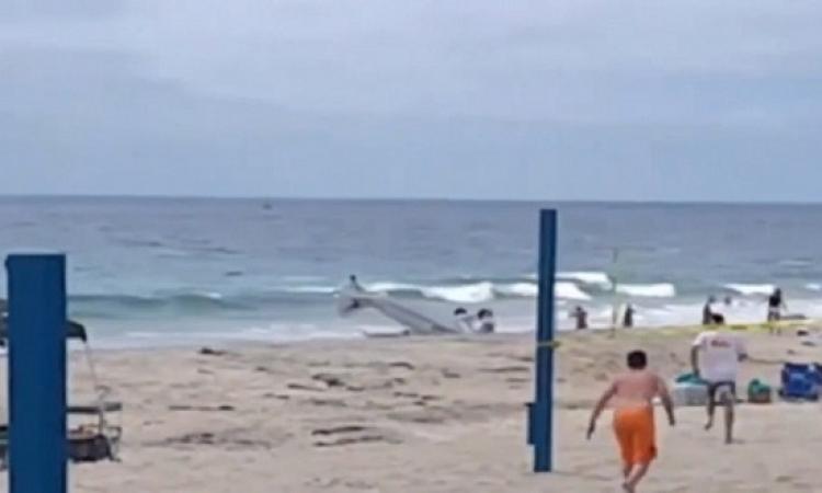 سقوط طائرة على شاطئ سياحى بكاليفورنيا
