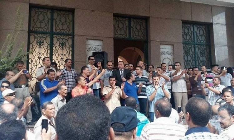 بالصور .. أمناء الشرطة يقتحمون مديرية أمن الشرقية لعدم الاستجابة لمطالبهم