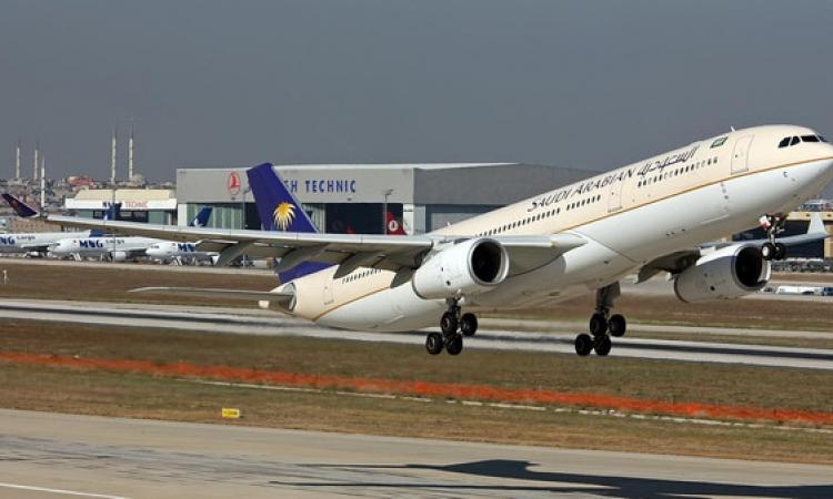 استياء الركاب بمطار القاهرة بعد تأخر الطائرة السعودية 4 ساعات