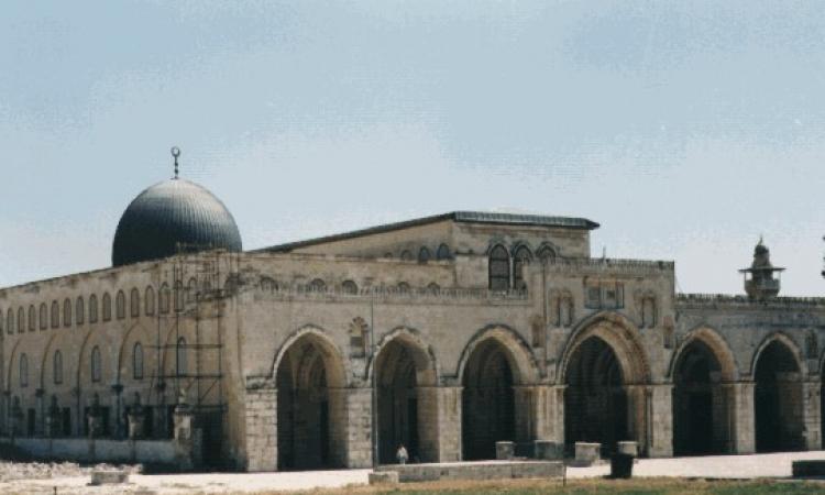 إسرائيل تستولى على أرض ملاصقة لأسوار الأقصى.. إنتى فين يا حماس؟!!
