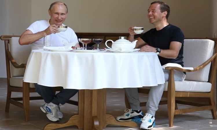 بالفيديو .. بوتين يمارس الرياضة داخل الجيم .. لياقة ورشاقة