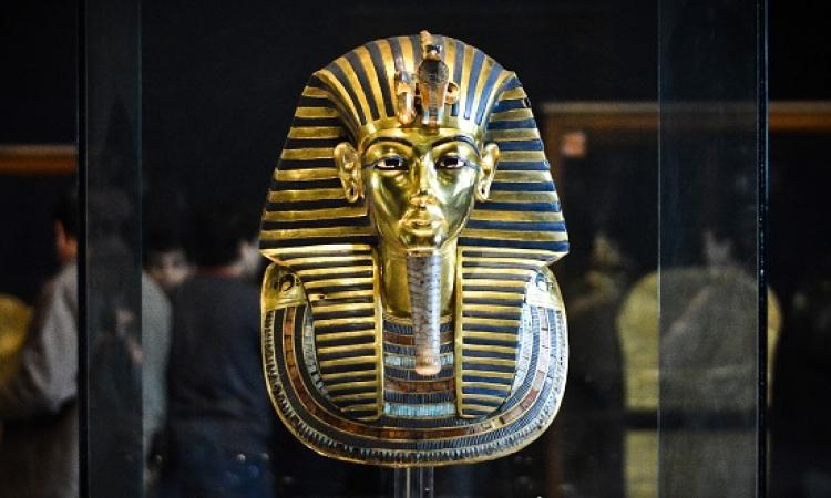 قناع توت عنخ آمون يعود للمتحف المصرى بعد ترميمه
