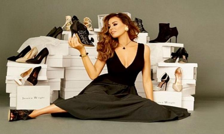 جيسكا رايت جذابة وأنيقة أثناء عرضها تشكيلة أحذية .. أمال لو فساتين كانت عملت إيه ؟!