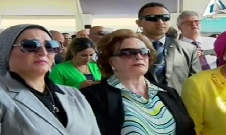 بالفيديو .. زوجة السيسى وجيهان السادات داخل المنصة الرئيسية للاحتفال بالقناة الجديدة