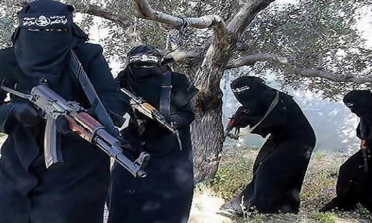 بالصور .. تعرف على حيلة داعش الجديدة لاستقطاب فتيات الغرب