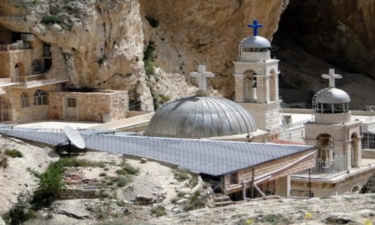 داعش يهدم ديرا وينقل مخطوفين مسيحيين فى سوريا.. زودوها أوى الحقيقة