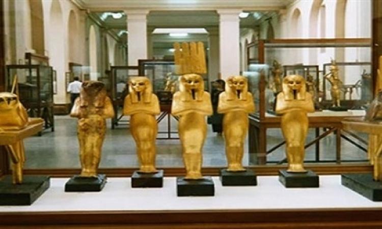 بريطانيا تبيع الأثار المصرية بالمزاد العلنى والسياحة تستنكر