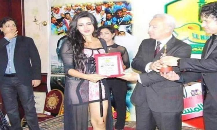 شيما الحاج ترد على انتقادات حفل التكريم : كنت عايزة اغّير .. بس قالولى كده حلو متقلعيش !!