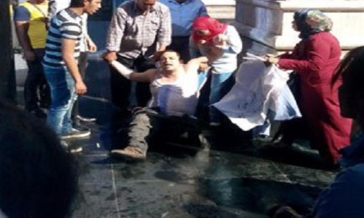 بوعزيزى التحرير .. صحفى يحاول حرق نفسه على سلالم النقابة