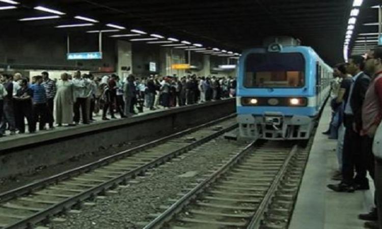 توقف الخط الأول للمترو ربع ساعة نتيجة اعتداء أمين شرطة على سائق قطار