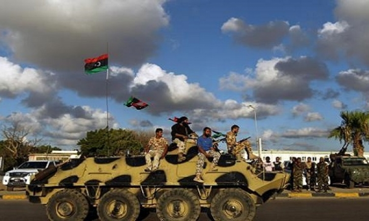 الجيش الليبيى يشتبك مع عناصر داعش فى بنغازى