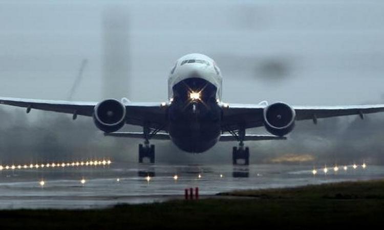 شركة طيران تخطط لمنع البدناء من ركوب طائراتها