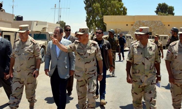 بالصور .. وزيرا الدفاع والداخلية يتفقدان قوات الجيش والشرطة بشمال سيناء