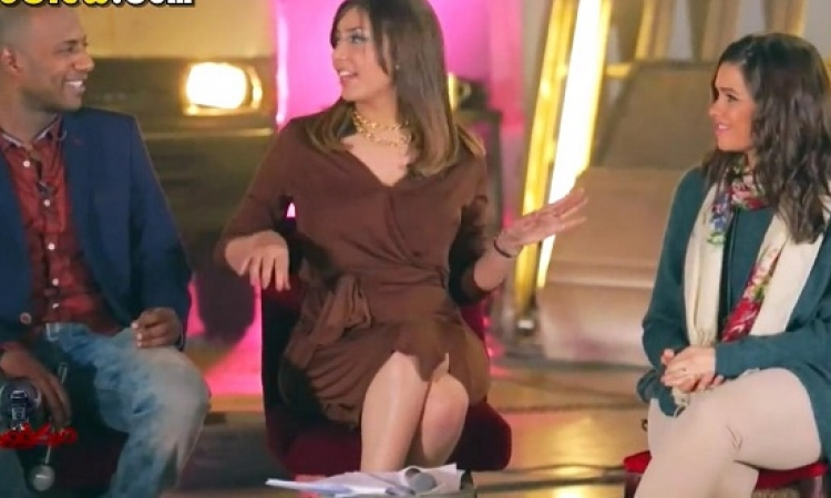 بالفيديو  .. جنات وبلاك تيما ضيوف الحلقة الأولى من برنامج ميكروفون