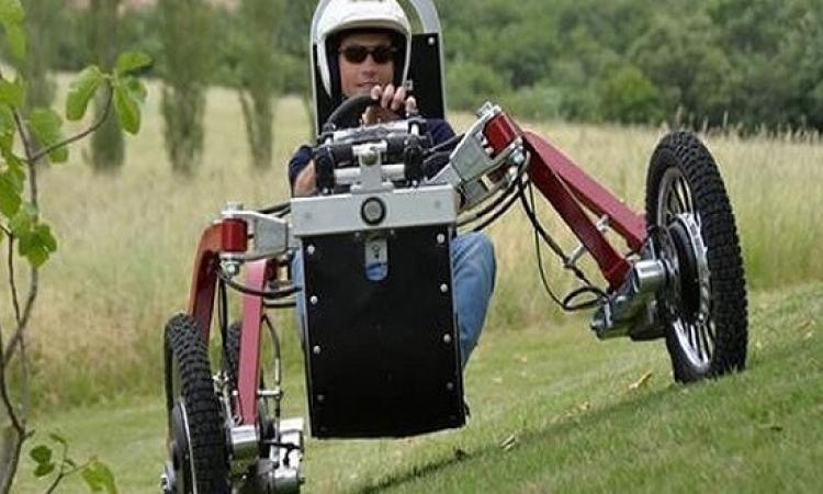 سيارة عنكبوتية تجتاز جميع الطرق الوعرة
