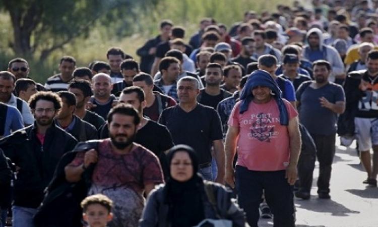نحو 400 لاجئ سورى يعودون إلى بلادهم من عرسال