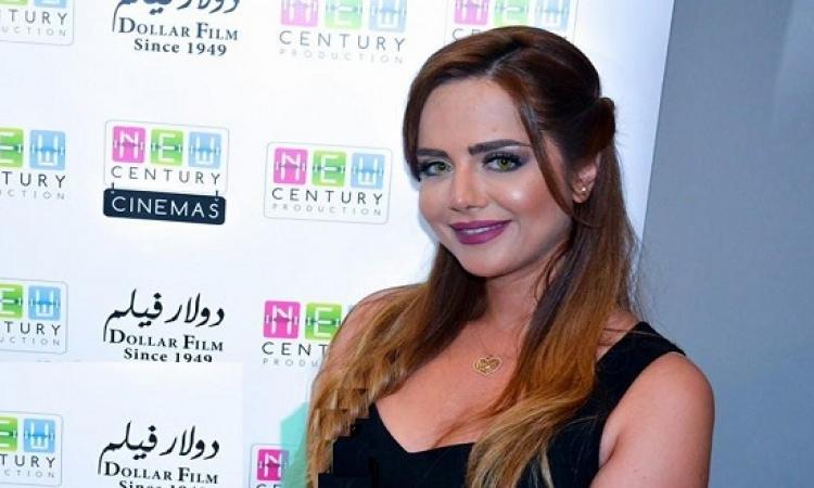 بالصور .. رانيا الملاح شقية بالأبيض والأحمر .. أهلى وزمالك!!