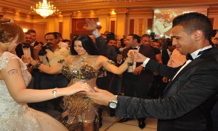 بالصور .. صافيناز تشعل حفل زفاف حازم إمام الصغير