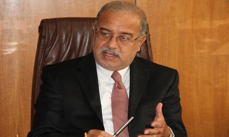 رئيس الوزراء يعقد اجتماعا مغلقا مع هانى المسيرى بالإسكندرية