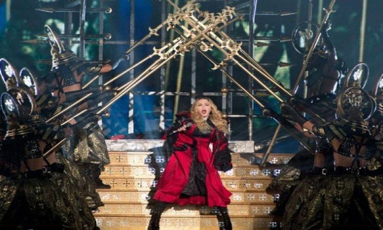 استعراضات مبهرة لملكة البوب مادونا فى حفلها بمونتريال .. حاجة ساموراى خالص !!