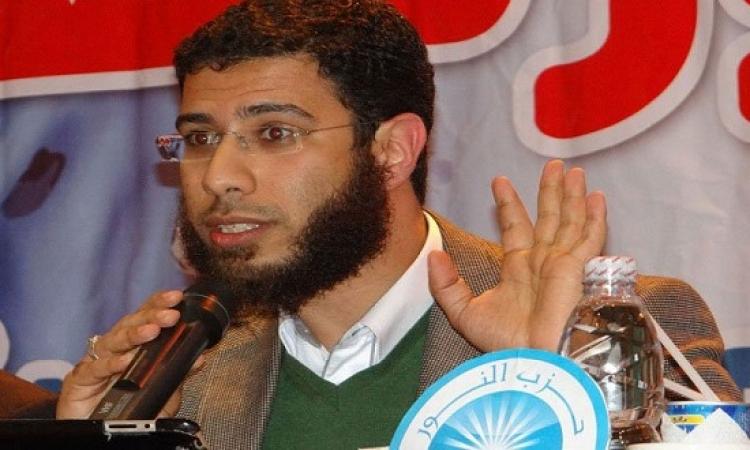 سلطات مطار القاهرة تمنع نادر بكار من مغادرة البلاد