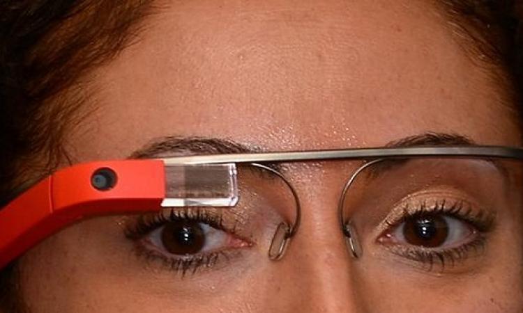 الرسائل بنظارة جوجل خطيرة أثناء القيادة