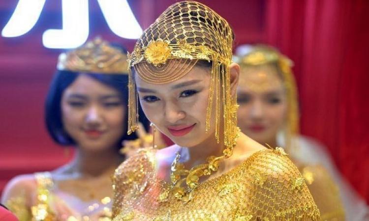 فساتين الزفاف بالذهب فى الصين