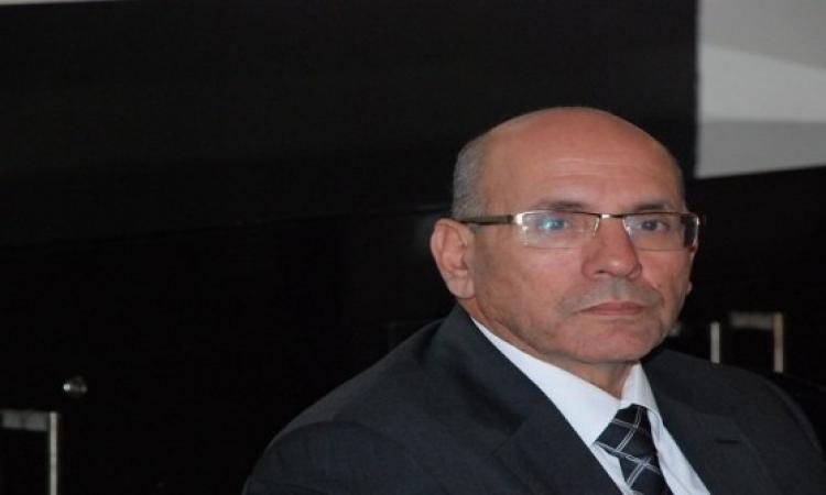 القبض على وزير الزراعة يتصدر تويتر .. ونشطاء : اضرب ياريس .. نضف يا سيسى !!